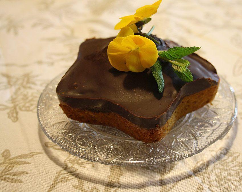 Receta: Tarta de avellanas y zanahoria con cobertura de crema de chocolate (sin gluten)