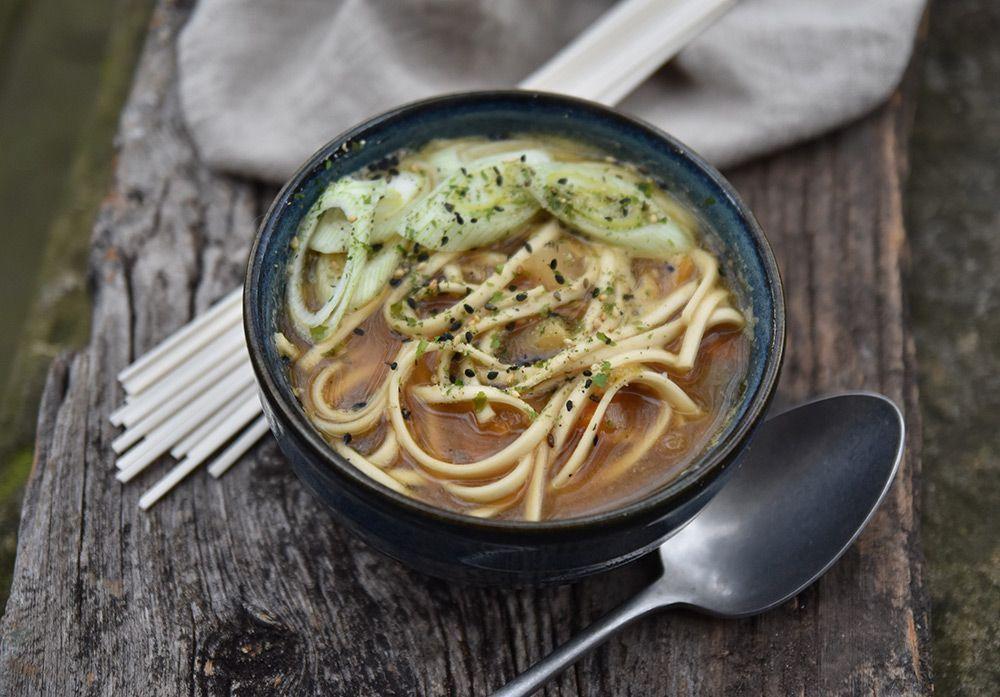 Sopa de miso con udon: una cena rápida preparada en menos de 5 minutos