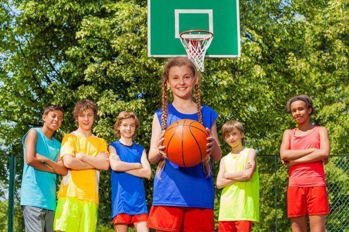 Alimentación para niñas y niños deportistas Alimentació per a nenes i nens esportistes