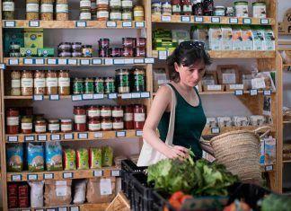2D, el supermercado cooperativo de Madrid, busca llegar a los 200 socios grupo de consumo madrid