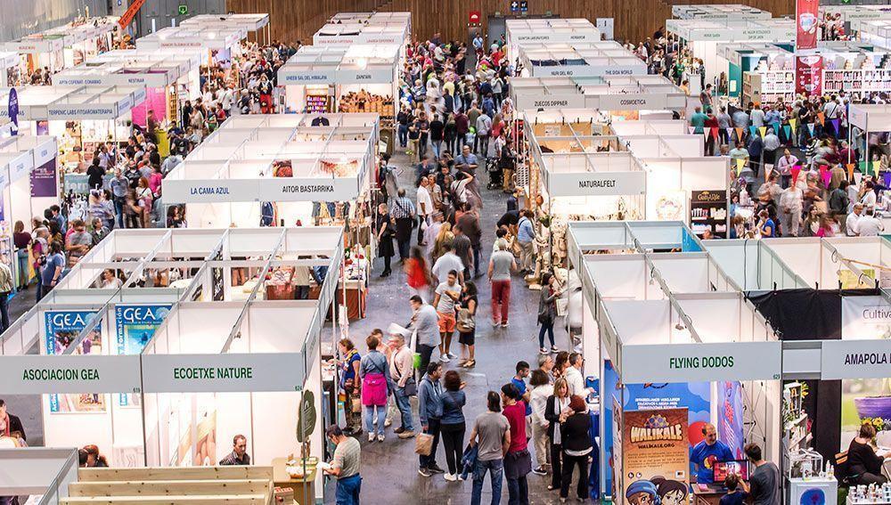 Mucho público en la última edición de BioCultura Bilbao, en 2016, que superó los 17.000 visitantes