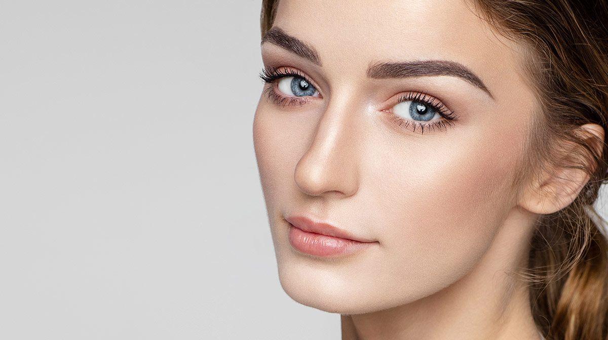 Maquillaje natural con certificación