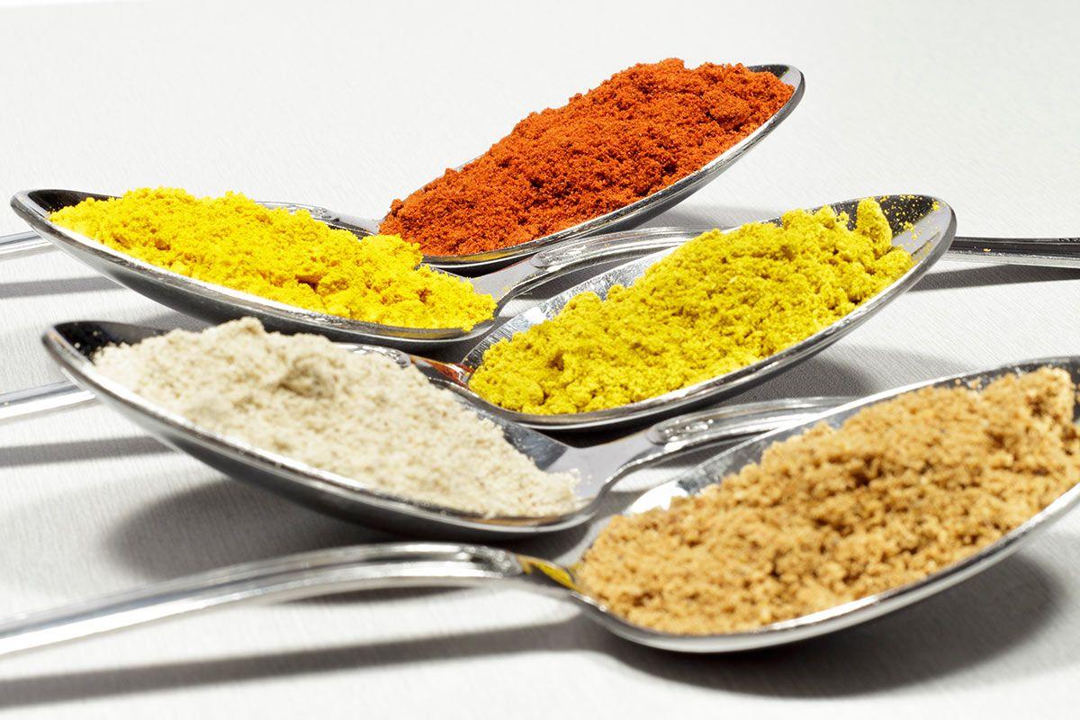 Aditivos controvertidos: nitratos/nitritos, sulfitos y colorantes