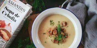 Receta: Crema de cebolla y tofu ahumado con croutons