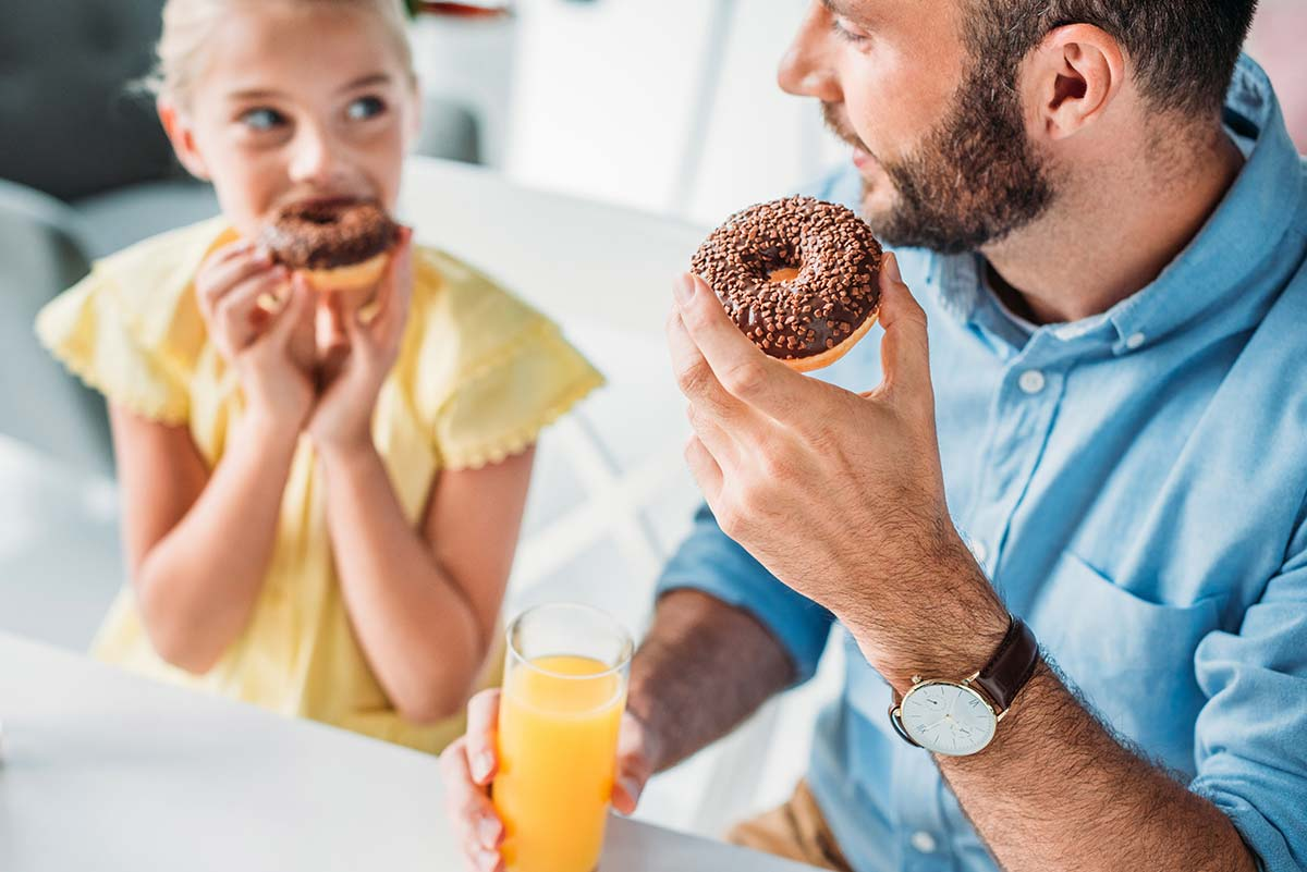 Protejamos a las niñas y a los niños de la comida basura
