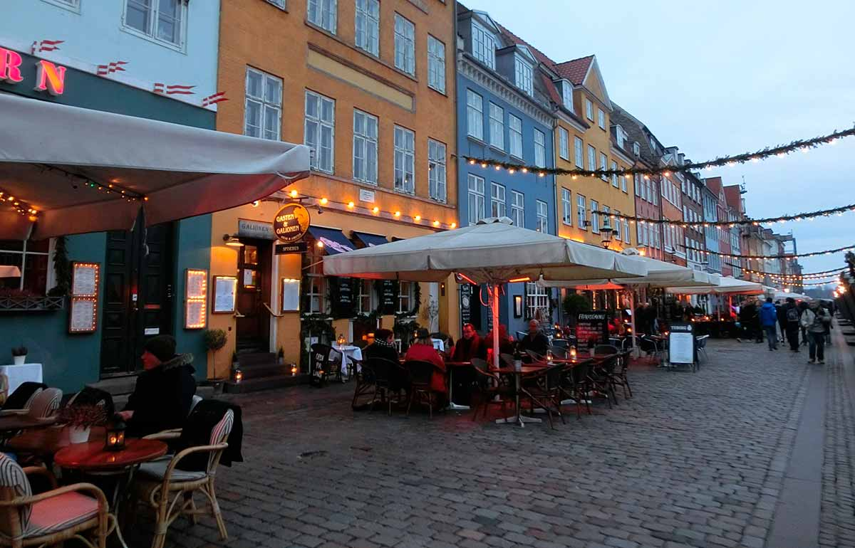 Organic in Public Danish Kitchens and Private Eateries