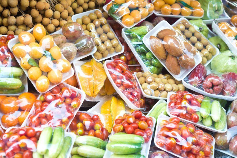 Frutas y verduras sin envases de plástico